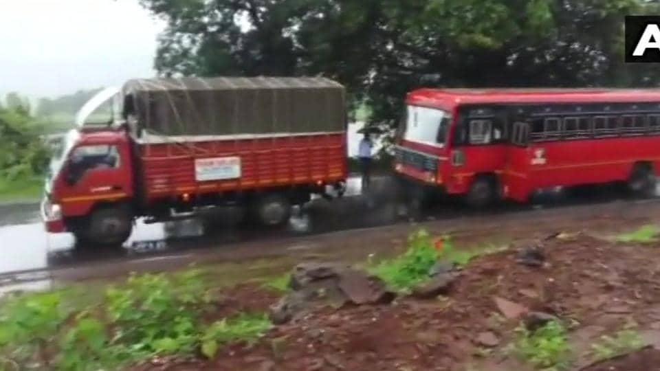 Traffic jam,Mumbai-Goa highway,Landslide