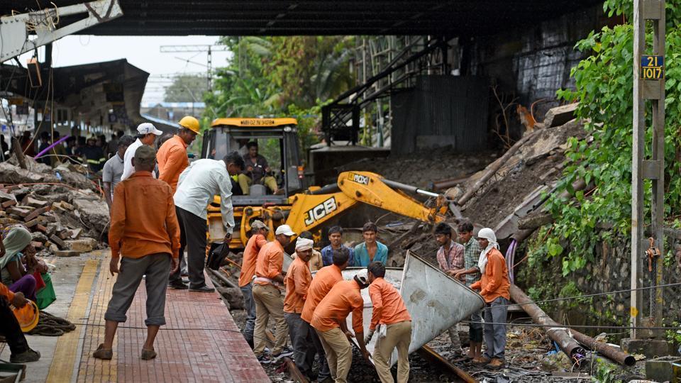 Mumbai,utility cables,Andheri bridge collapse