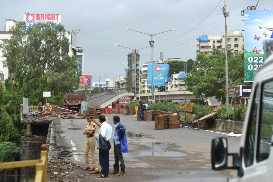 Mumbai,Andheri bridge collapse,no time