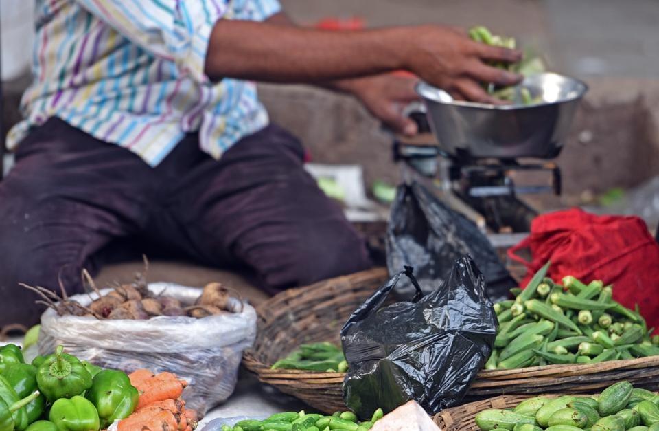 Plastic ban: Economic vs environmental cost - mumbai news