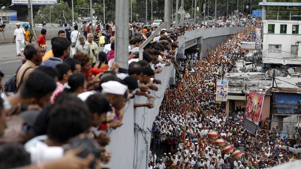 Pune is currently the home of around three lakh warkaris, who entered the city along with the Sant Dnyaneshwar Maharaj and Sant Tukaram Maharaj palkhi processions. (Rahul Raut/HT PHOTO)