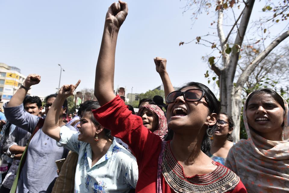 Through its power to grant and revoke authorisation and order closure of institutions after inquiry, for 864 universities, 40,026 colleges and 11,669 standalone Institutions (All India Survey on Higher Education 2016-17), HECI will have the power to hold hostage the ability of colleges to even enrol students by refusing to grant them authorisation.