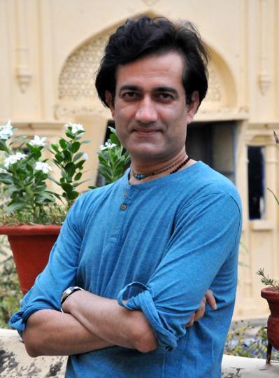 Lapataganj actor,Abbas Khan,Lucknow