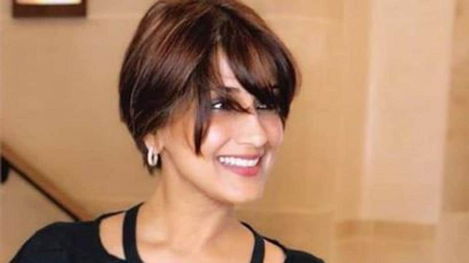 Sonali Bendre has shared a new photo from New York where she is undergoing treatment for cancer.