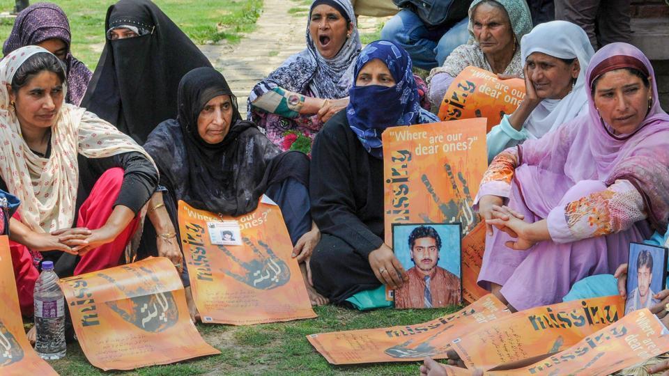 Kashmir,Border Security Force,Kashmir protesters