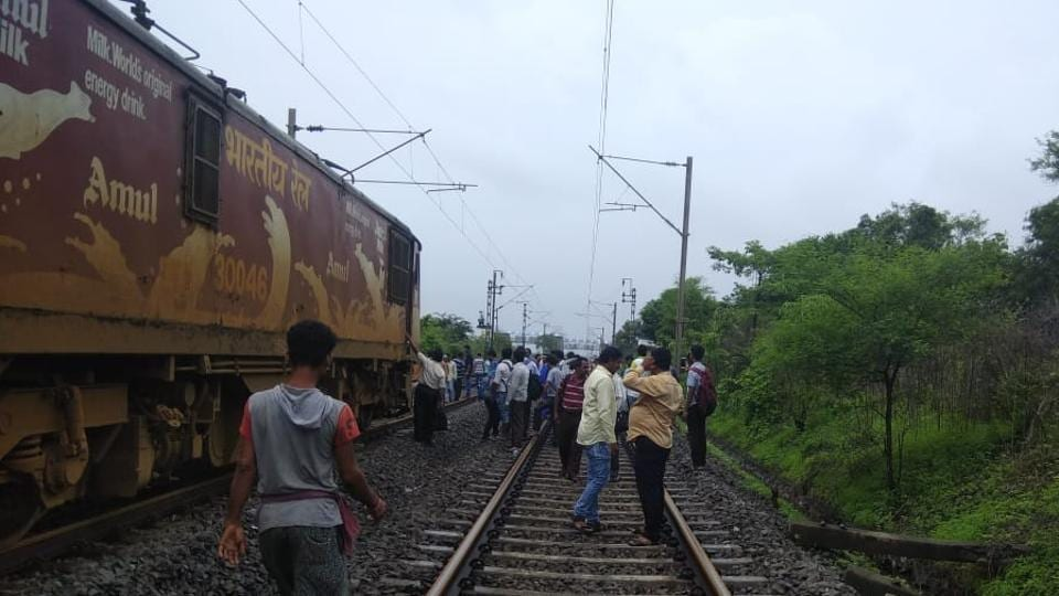 Mumbai,Mumbai trains,WR