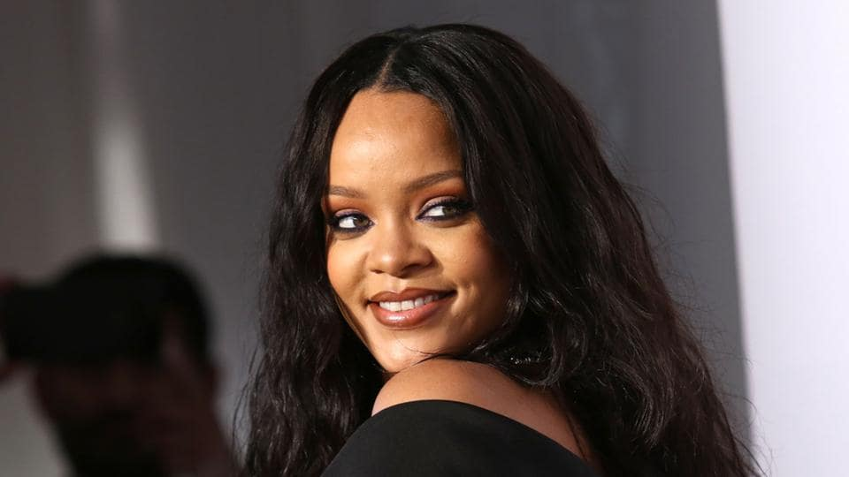 Rihanna's Fenty Beauty collection boasts 40 shades of foundation and the 30-year-old singer does not just stick with one of them as her skin tone changes on a daily basis.