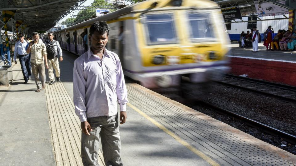 A series of blasts ripped through packed Mumbai local trains on July 11, 2006, killing 188 people and wounding over 800. Kamlesh Rajbhar, 32, was one of them. 12 years since Rajbhar lost both his legs in the 7/11 terror blast, he revisited the city of dreams once again--  to stand back. (Kunal Patil / HT Photo)
