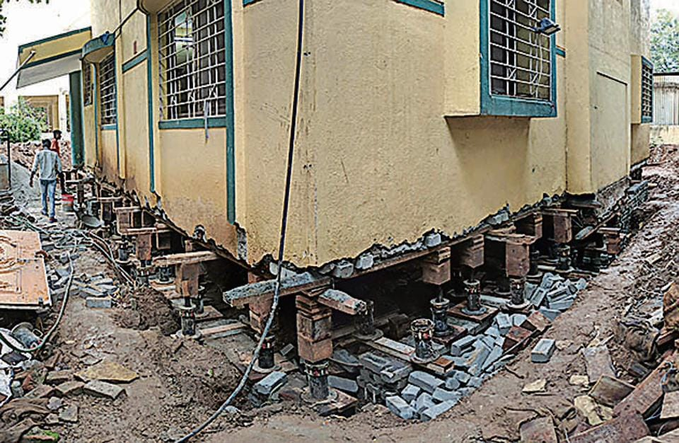 Pune Businessman Jacks Up House By 3 5 Ft To Escape Monsoon