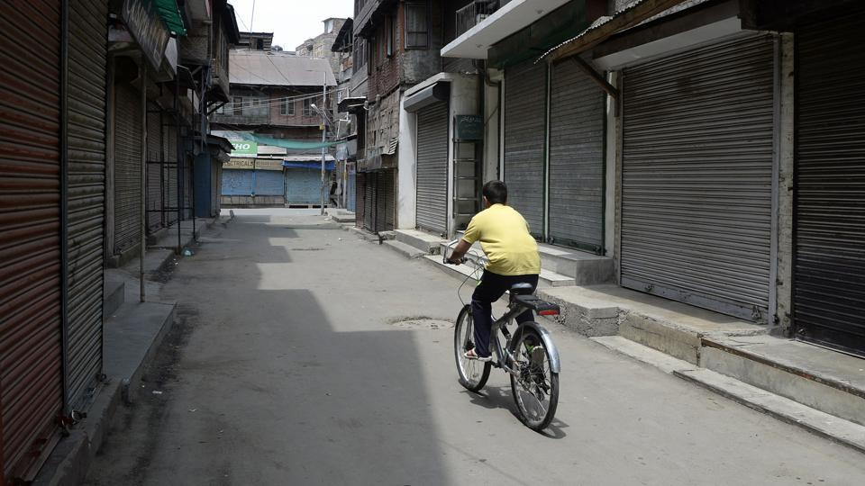 Authorities today imposed restrictions in parts of Srinagar to thwart any protests by separatists, who had called for a shutdown against killing of a civilian allegedly in security forces firing on protestors in Shopian district. Schools and other educational institutions remained closed while attendance in government offices was thin due to lack of public transport, officials said. (Tauseef Mustafa / AFP)