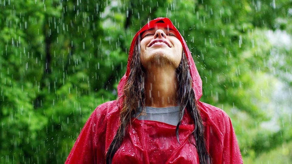 Make sure you take a shower if you get wet in the rain to avoid falling sick in the monsoon.