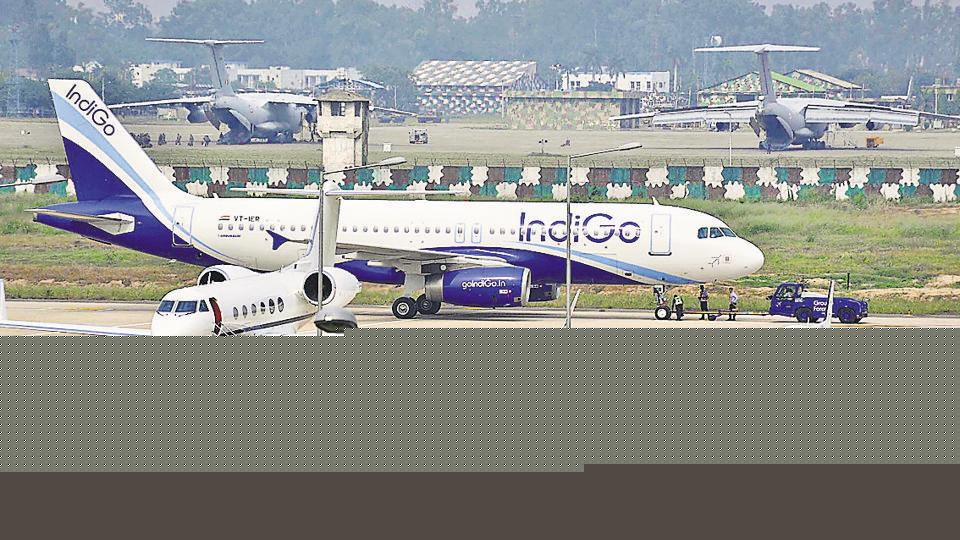 Two IndiGo aircraft with nearly 330 passengers on board avoided a collision over Bengaluru after an automatically generated warning alerted the pilots, prompting authorities to launch a probe into the incident. A news agency quoted unnamed sources saying that the vertical separation between the two aircraft was only about 200 feet and a mid-air collision was averted after the TCAS alarms went off. (Gurminder Singh / HT File)