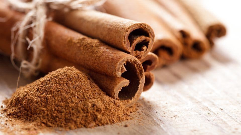 Cinnamon oil,Benefits of cinnamon oil,Cinnamon oil benefits