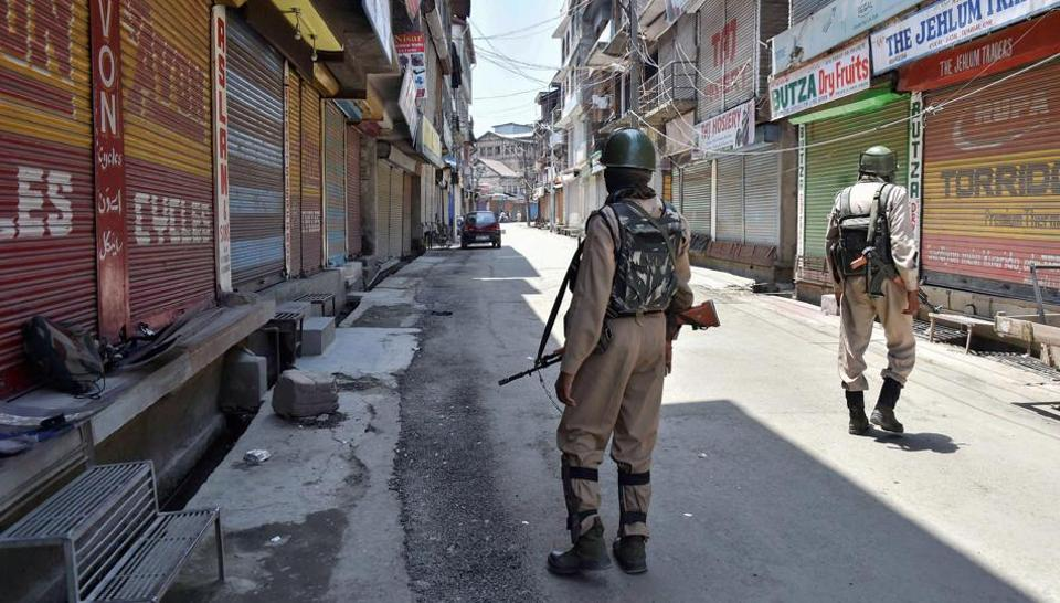 2 CRPF jawans killed, 2 others injured in militant attack in J-K's