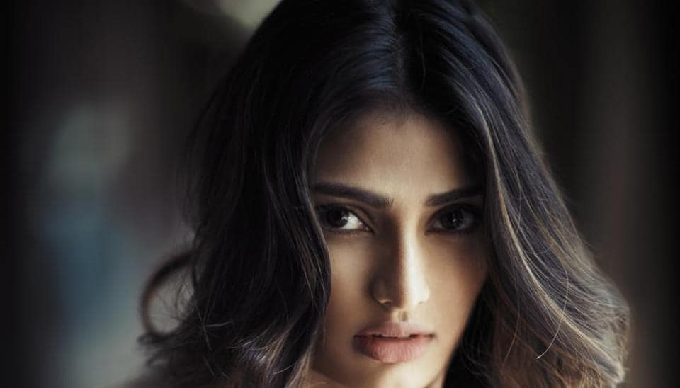 Athiya Shetty,Item numbers,Badshah