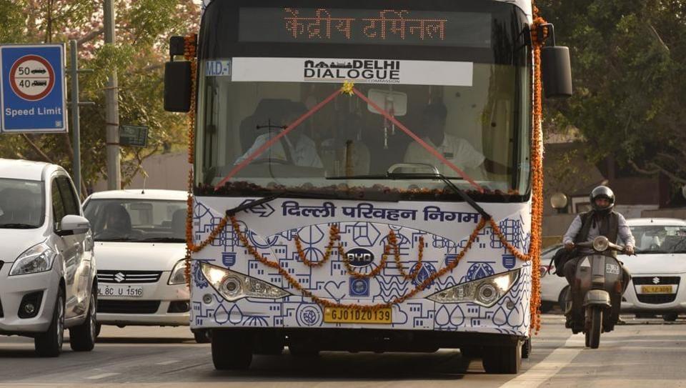 Delhi electric buses,AAP-bureaucrats tussle,Delhi power tussle