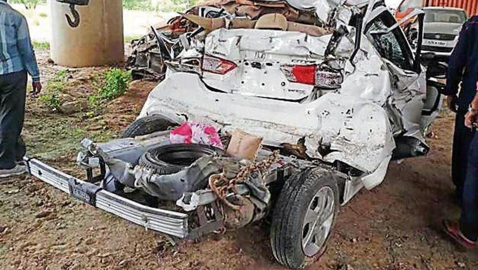 Yamuna Expressway,Road accident,Noida