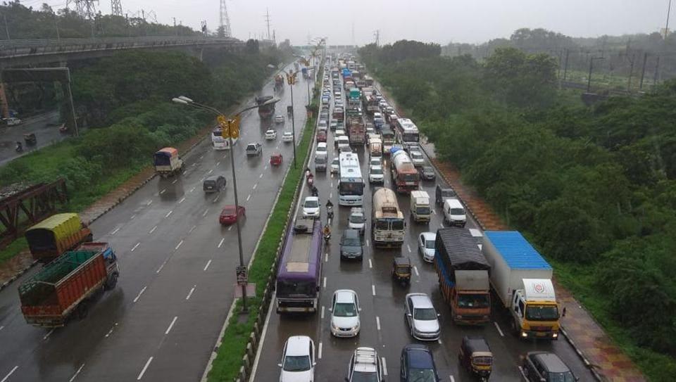 Mumbai,Traffic jam,Sion-Panvel highway