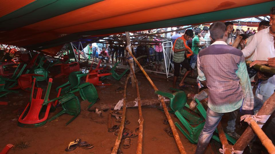 Midnapore,BJP,Tent collapse at Modi rally