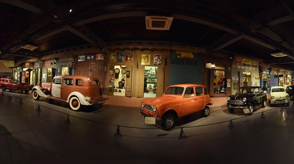 The Transport museum  has a display of over 60 vintage cars, the oldest among them being a 1914 Benz . (Sanjeev Verma / HT Photo)