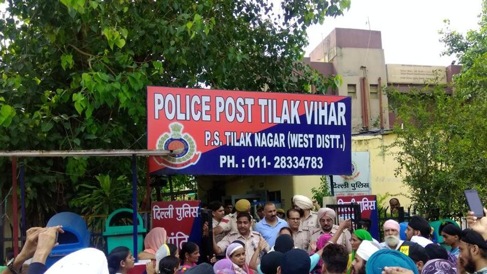 Suicide in Delhi's Tilak Vihar,Tilak Vihar,autopsy confirms death by hanging