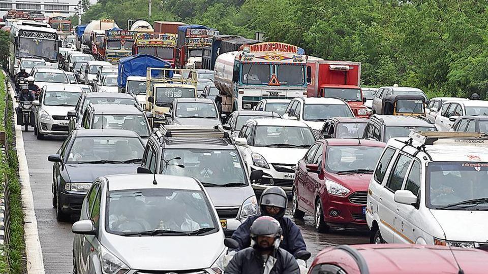 Navi Mumbai,traffic jams in Navi Mumbai,Navi Mumbai roads