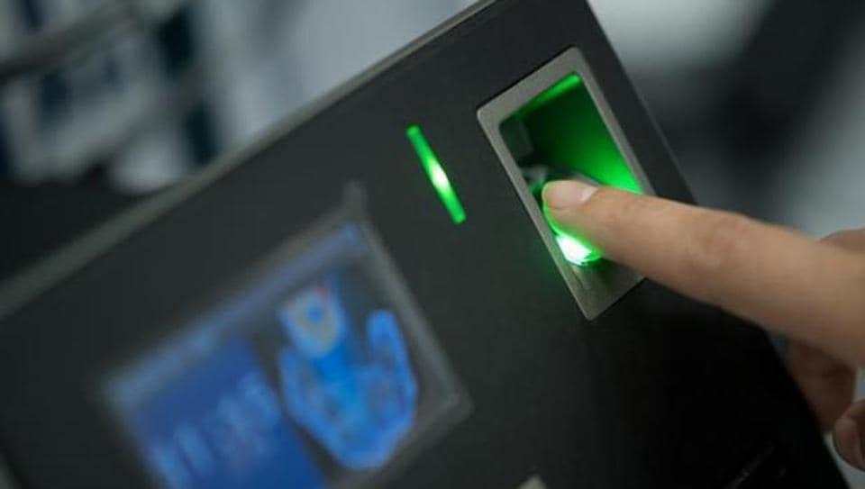 Biometric attendance system: Mumbai colleges miss deadline | mumbai