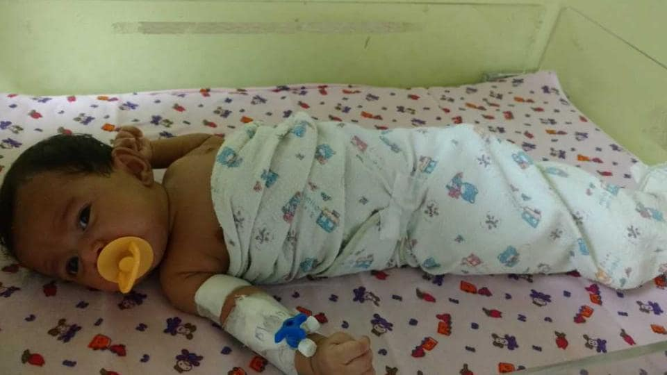 Mumbai,Needle stuck in infant's thigh,BJ Wadia Hospital