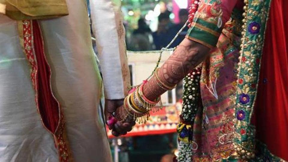 Passports,NRI husbands,Women and child development ministry