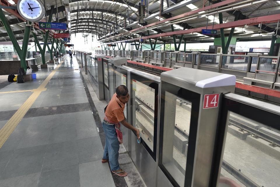 Delhi metro,Jangpura station,Violet line metro