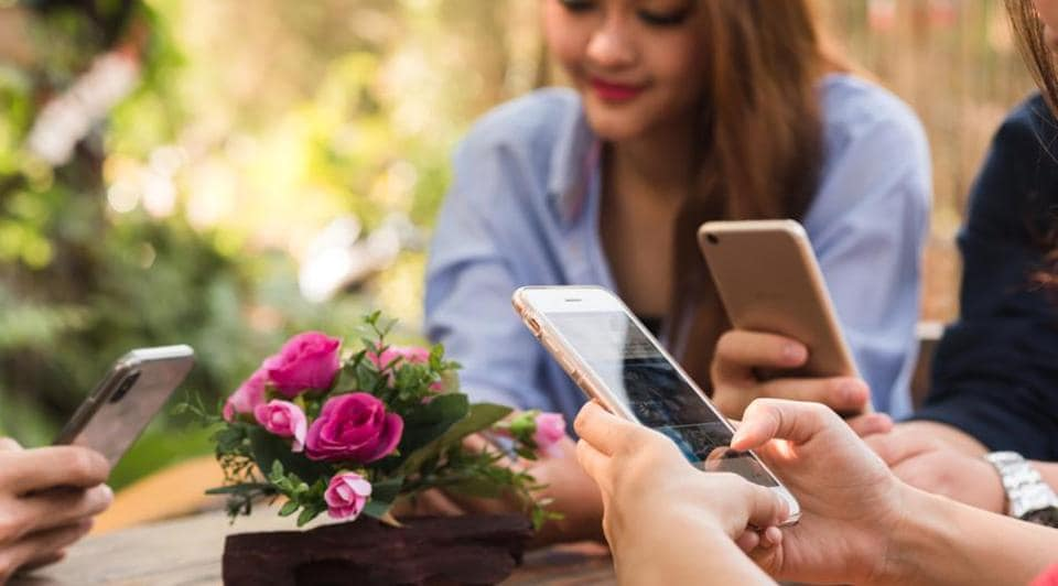 Smartphone use for prolonged period can impact teen memory