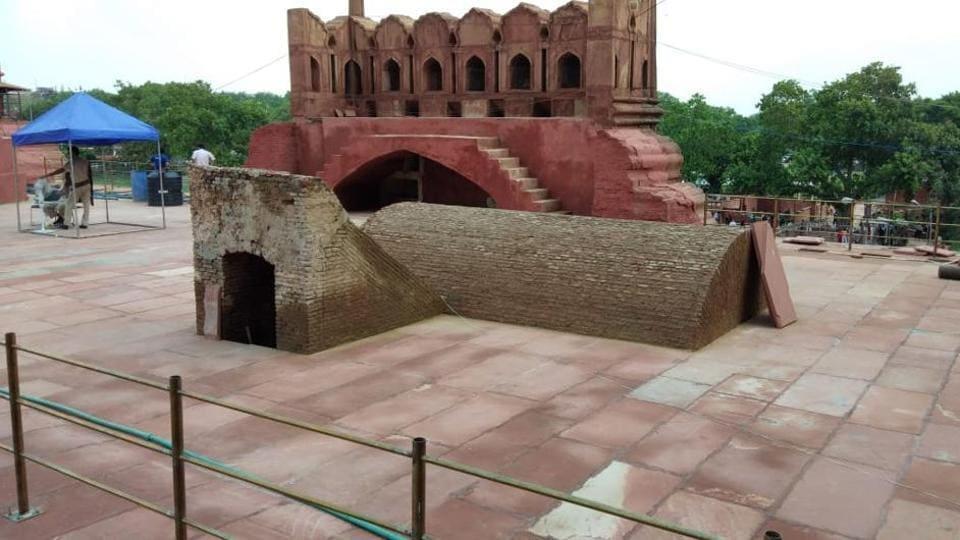 Red Fort,Hidden underground ammunition chamber,Lahori Gate