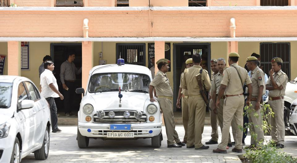 Amroha rape,Woman brings foetus to police station,Uttar Pradesh
