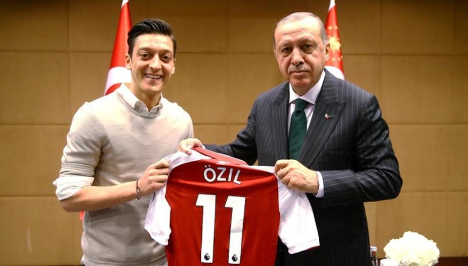 Racism,Mesut Ozil,Germany