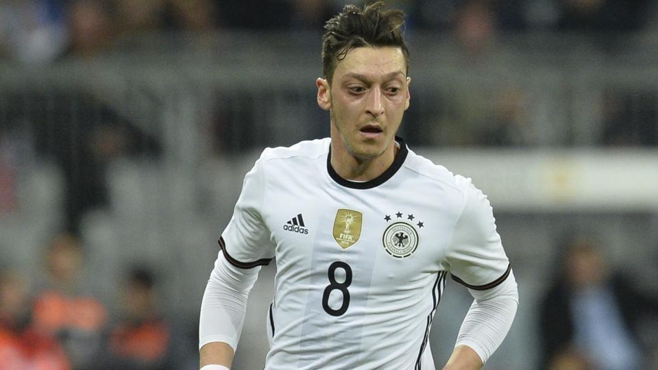 Mesut Ozil,Bayern Munich,Uli Hoeness