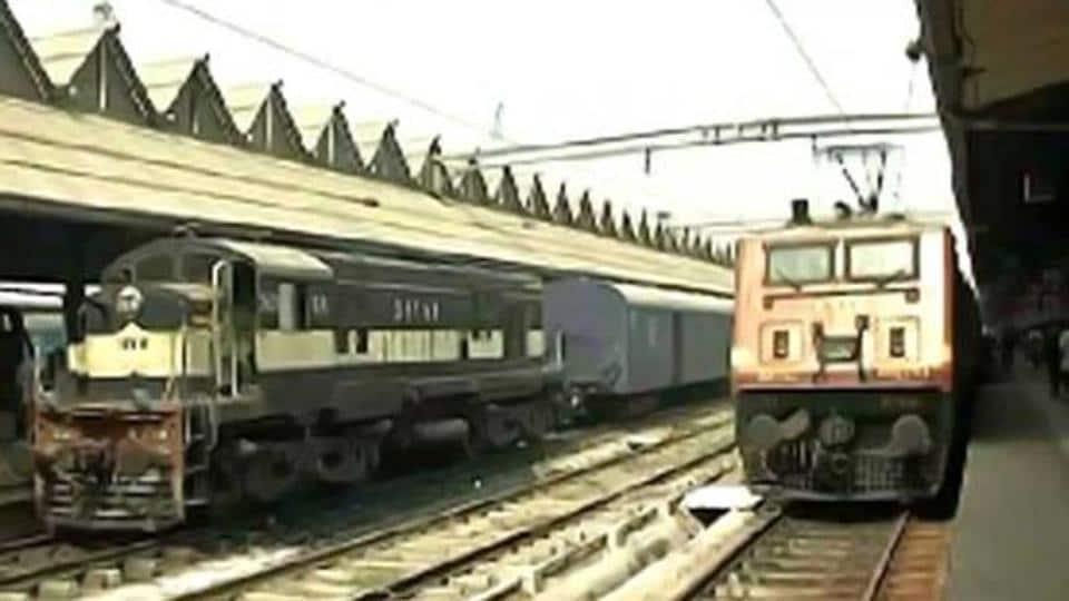 Chennai police,Chennai suburban train,Chennai train accident