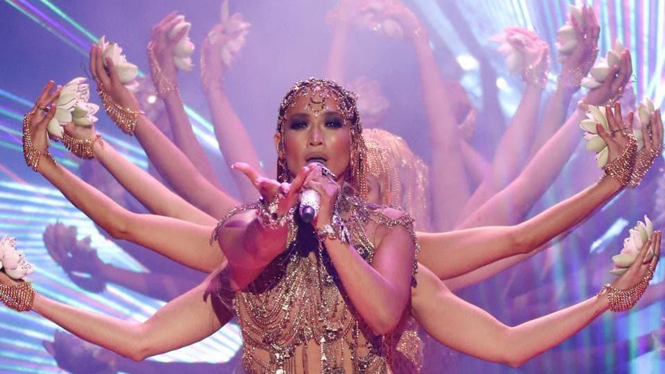 Jennifer Lopez performs El Anillo at the Billboard Latin Music Awards.