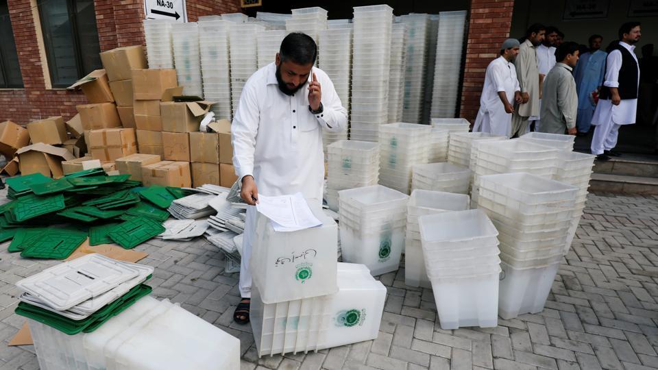 Pakistan Election 2018,Bilawal Bhutton Zardari,Imran Khan