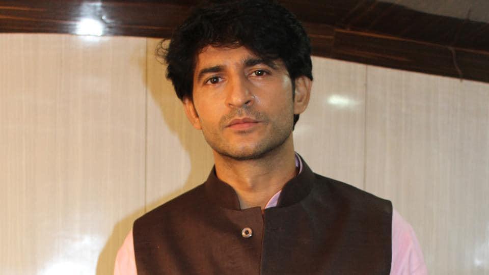 Actor Hiten Tejwani will soon be seen in Bollywood film Kalank.