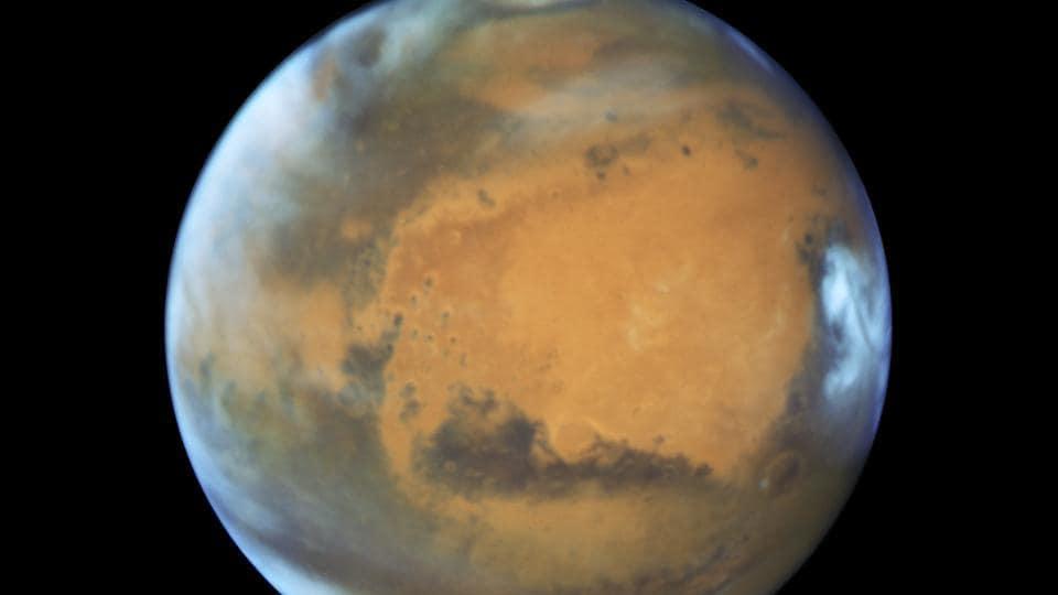 Mars,Water on Mars,Liquid water lake