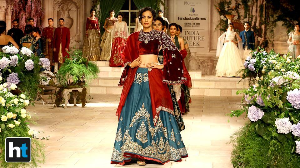 Designer Anju Modi's Victorian-era inspired collection gave us some major trousseau goals.  (Raajessh Kashyap/HT Photo)