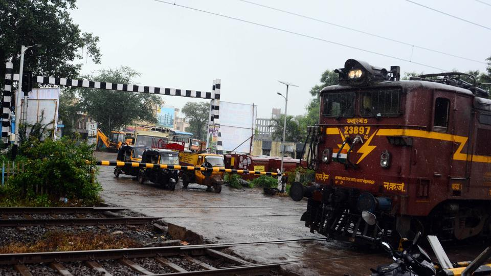 Manjri,residents,commute