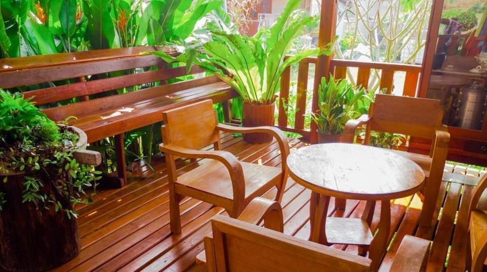 Monsoon dampness cure, 5 ways to protect your wooden furniture this