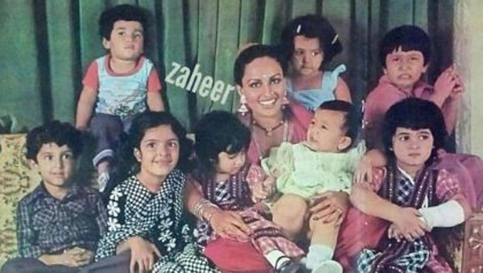 Yesteryears' star Reena Roy surrounded by star children including Hrithik Roshan and Twinkle Khanna.
