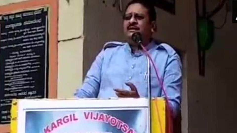 A video of former Union minister and Karnataka BJP MLA Basanagouda Patil Yatnal's speech has gone viral on social media.