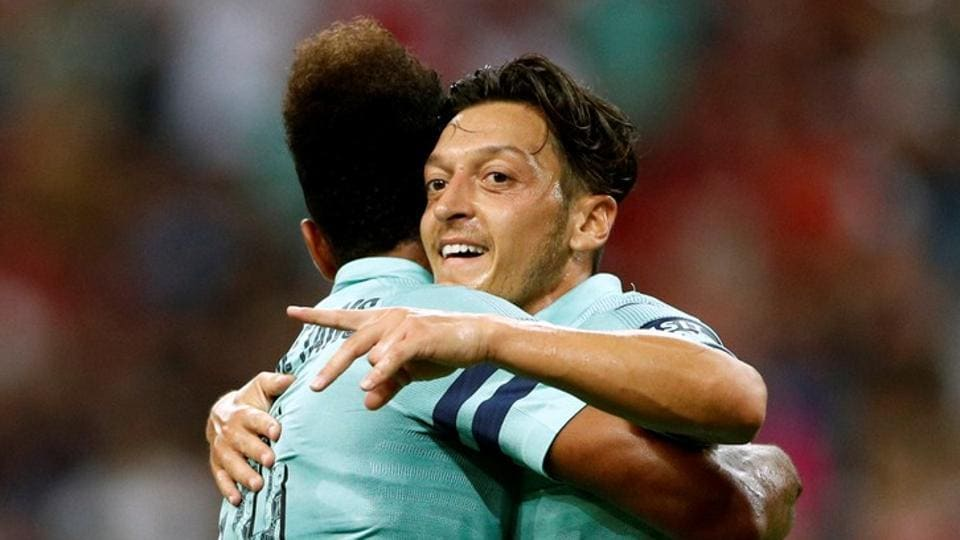 Unai Emery says Mesut Ozil could be Arsenal's regular captain