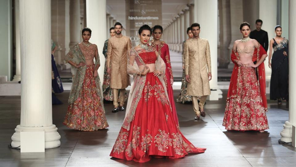 The Ahmedabad-based designer duo, Shyamal and Bhumika, have  always stunned with their innovations in traditional occasion wear. (amal ks/ht photo)