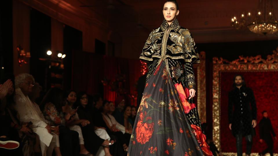 Rohit Bal,Rohit Bal fashion show,Rohit Bal showstopper