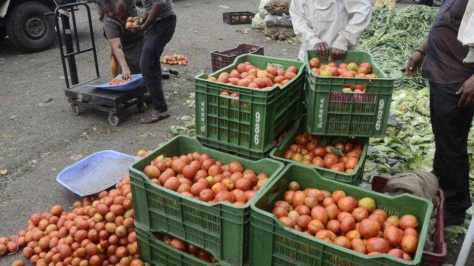 Prices of tomato, cucumber and bitter gourd dropped by almost 10 per cent on Sunday.