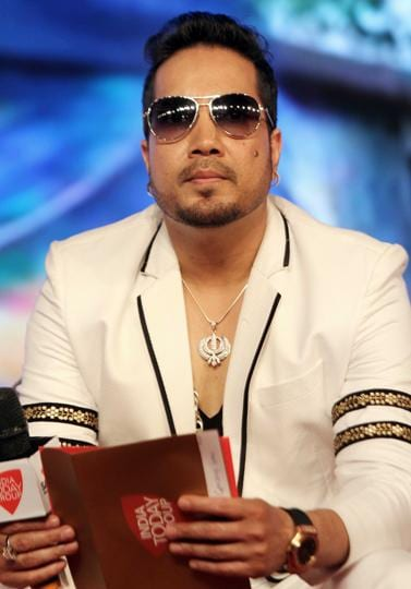 Singer Mika Singh's manager filed a complaint on Singh's behalf.